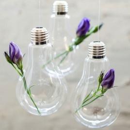 Závesná žiarovka na kvetiny