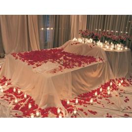 Posteľ plná ruží