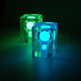 Žiarovka na svetlo (modrá)