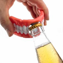 Otvárač fliaš - zubná protéza