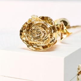 Pozlátená ruža - biela krabička