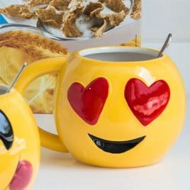 Emoji hrnček 3D - láska